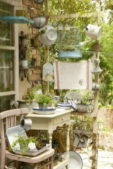 Unique Garden Decorating Ideas01