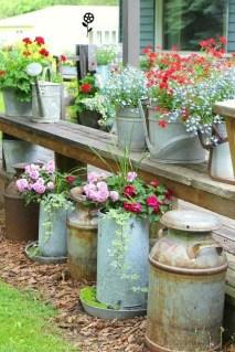 Unique Garden Decorating Ideas12
