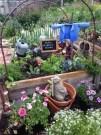 Unique Garden Decorating Ideas22