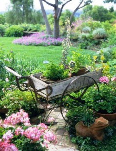 Unique Garden Decorating Ideas29