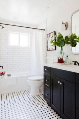 Vintage Farmhouse Bathroom Decor Design Ideas09