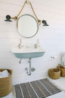 Vintage Farmhouse Bathroom Decor Design Ideas10