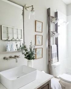 Vintage Farmhouse Bathroom Decor Design Ideas19