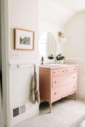 Vintage Farmhouse Bathroom Decor Design Ideas25