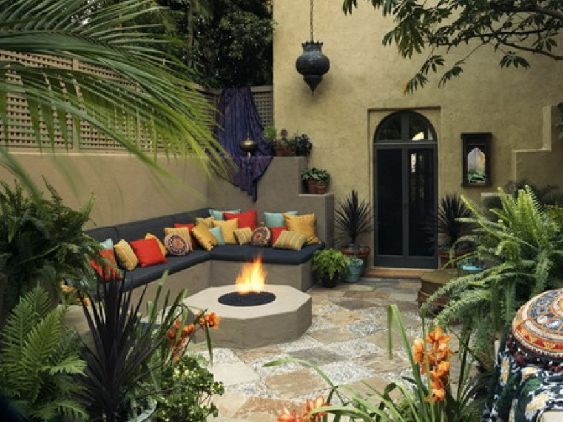 Tropical Landscaping with Mediterranean Style