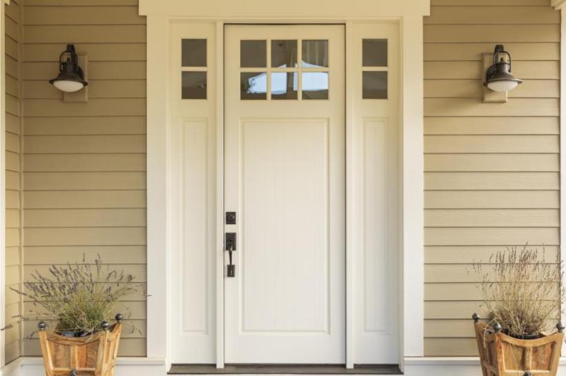 Elegant Main Door with Colonial Style