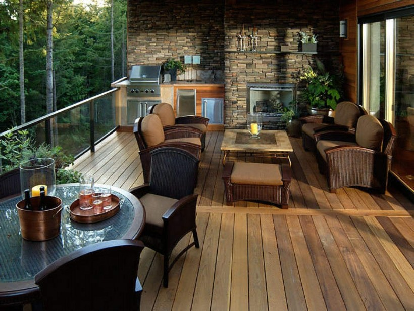Luxury Enclosed Deck Spaces