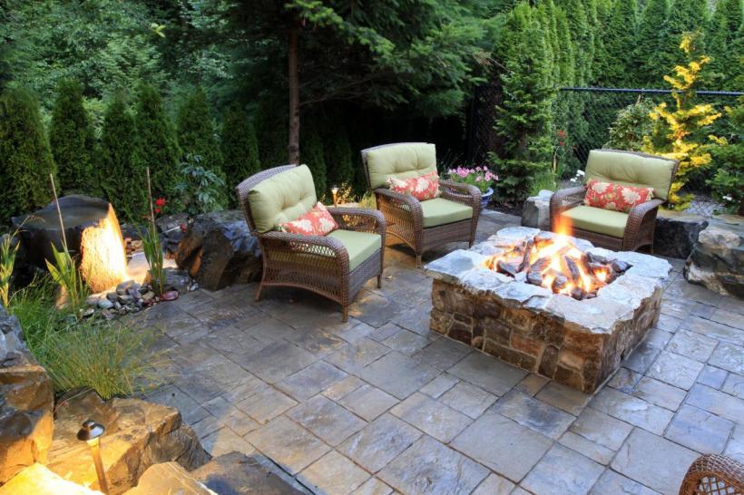 Classic yet Elegant Patio Fire Pit