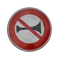 4. Ancien panneau de signalisation.