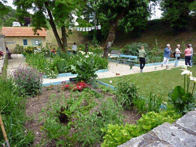 Cahors art et botanique for Entretien jardin cahors