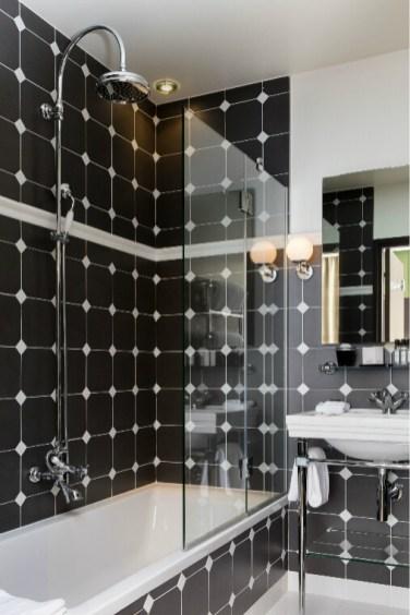 Salle de bains suite Sacha Guitry Hôtel Monsieur