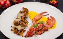 p047-homard-champignons-vin-jaune-800x500