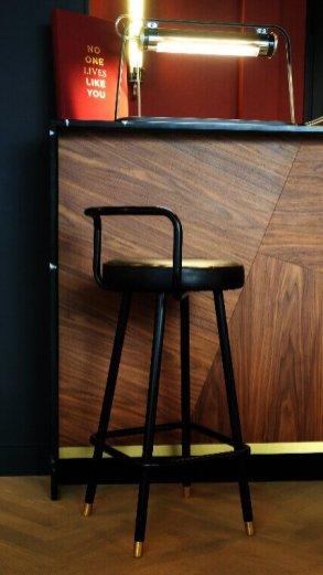Détail Bar du Concept Store Rouge Ardoise.