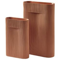 4. Vase Muuto Collection Ridge, The Cool Republic