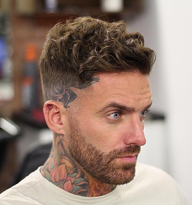 Coiffures Cheveux Bouclés pour Homme Boucles brossées et texturées