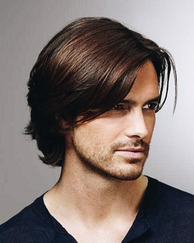 meilleures coiffures mi longues hommes peigne naturel sur frange
