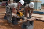 Pantalon de travail homme : robustesse et confort assurés