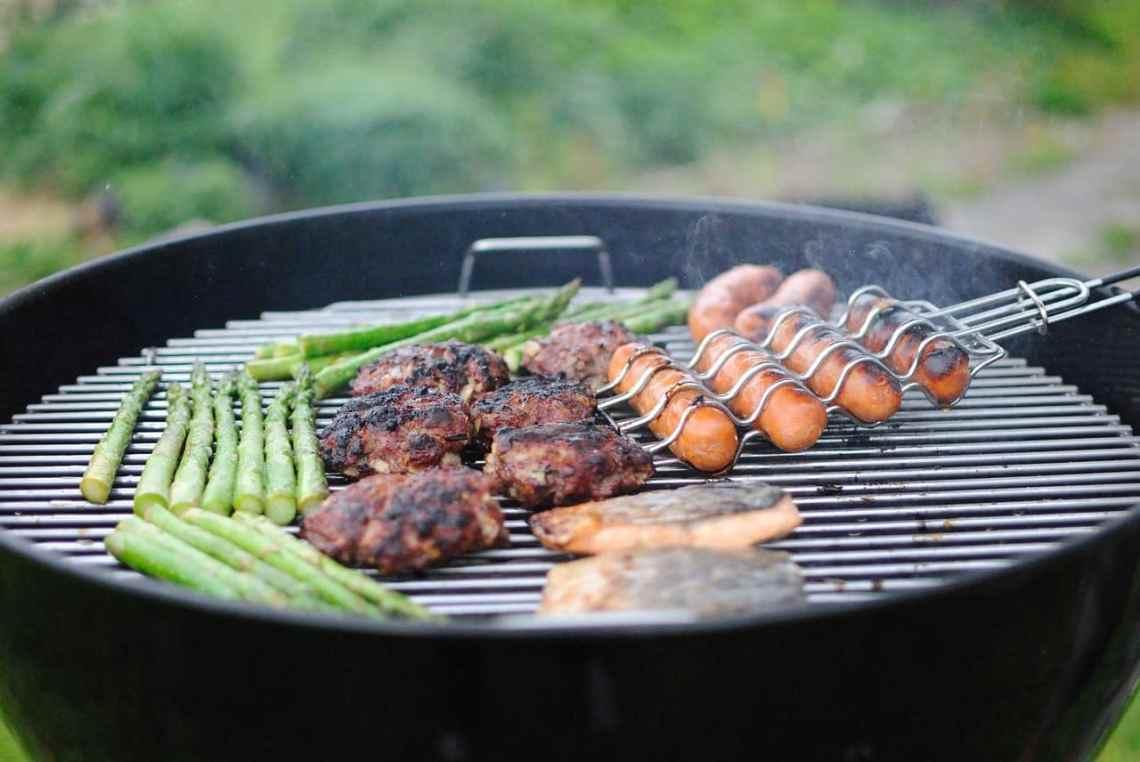 Plancha Verycook Pas Cher quel barbecue privilégier pour nos repas d'été en 2020