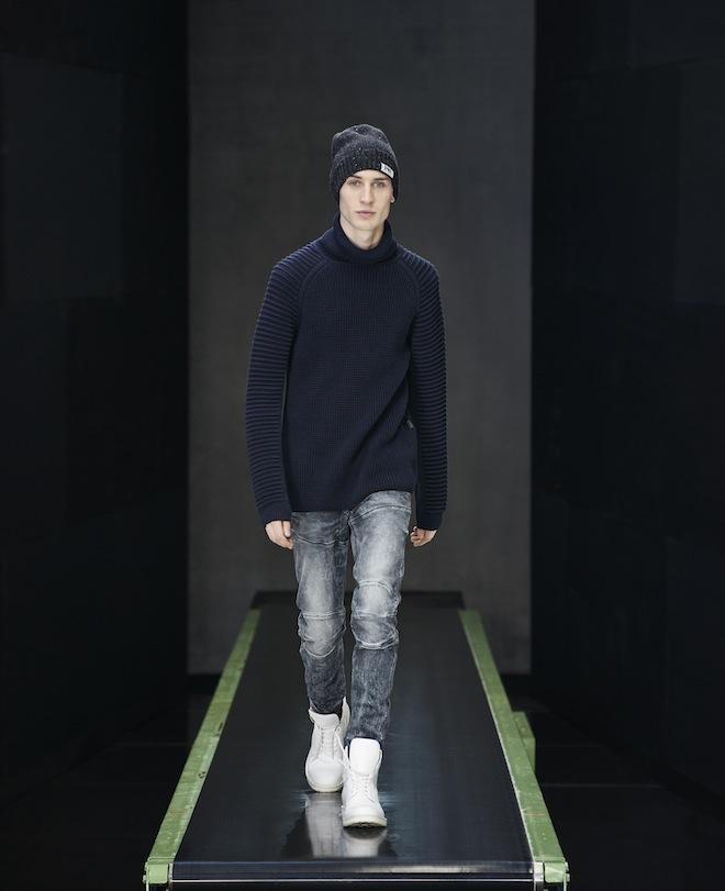 Looks 15-2 Main, catwalk show, HQ Amsterdam, AVISAR TURTLE KNIT L/S 86555F.6299.3853, 5620 3D SUPER SLIM 51026.7205.89, BRONEK BEANIE 89571F.7263.0016