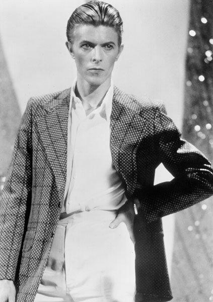 1jan1976-david-bowie-fashion-evolution-600