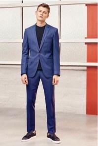 Quelle couleur de costume homme porter quand et comment - Costume bleu electrique ...