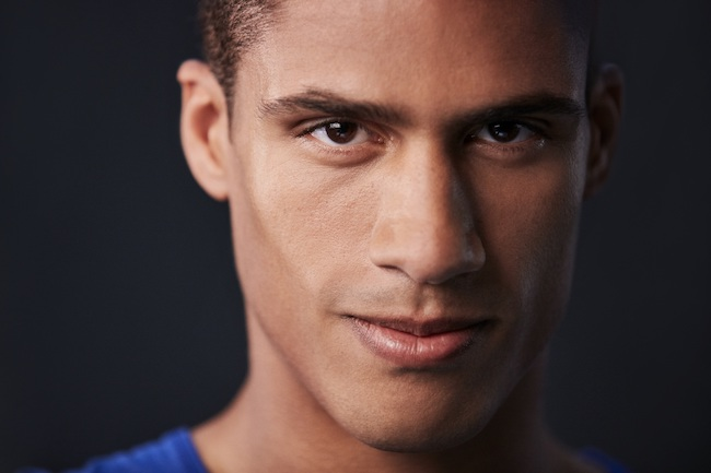 Le footballeur Raphaël Varane, ambassadeur français de la marque Braun
