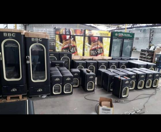 Refrigeradores con la marca comercial de la Bogotá Beer Company.