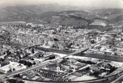 Pogled iz zraka po izgradnji Titovega mosta