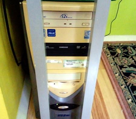 Ostareli računalnik 2/2, Foto: Tanja Jerebic