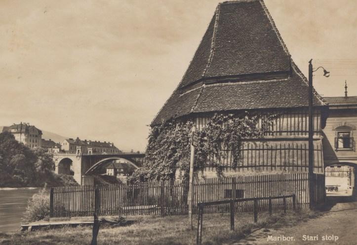 1930-stolp-vrata