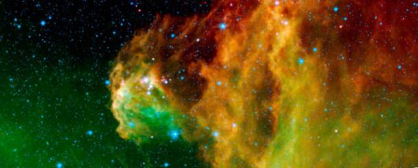 Νεαρά άστρα αναδύονται από την κεφαλή του Ωρίωνα. NASA/JPL-Caltech/D. Barrado y Navascués (LAEFF-INTA) [Public domain]
