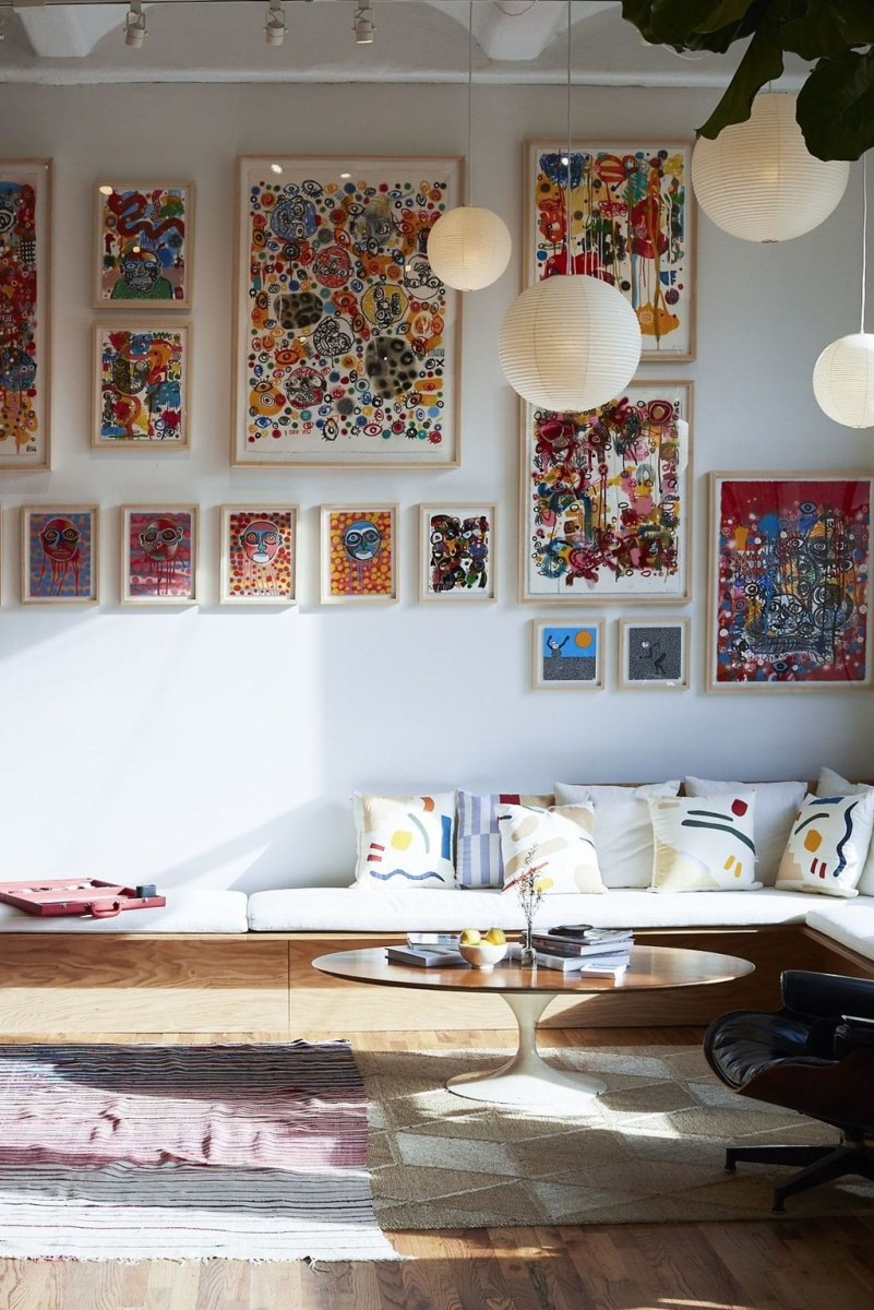 Awesome Gallery Wall Design Ideas 10