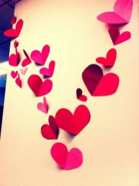 Beautiful Valentine Wall Decor And Color Ideas 32