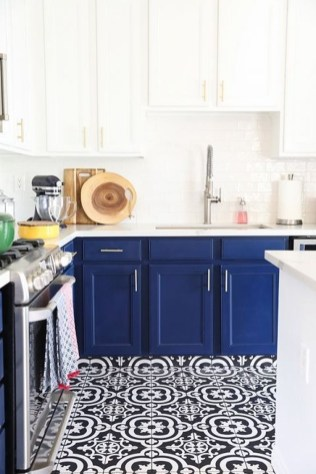 Inspiring Blue And White Kitchen Color Ideas 43