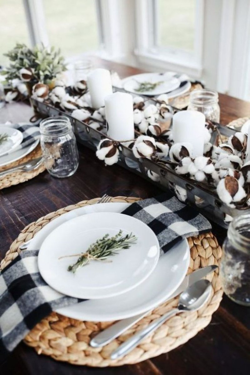 Winter Dining Room Decoration Ideas On Your Table 22