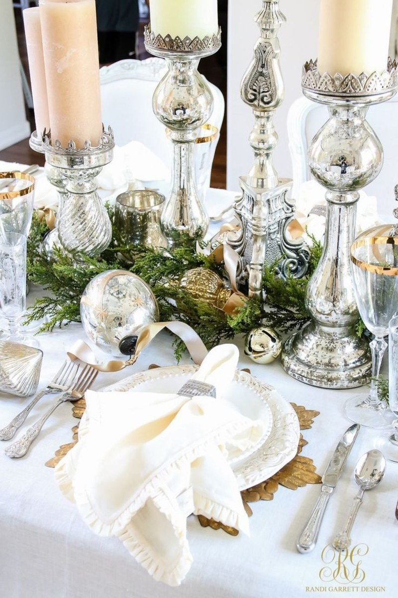 Winter Dining Room Decoration Ideas On Your Table 26