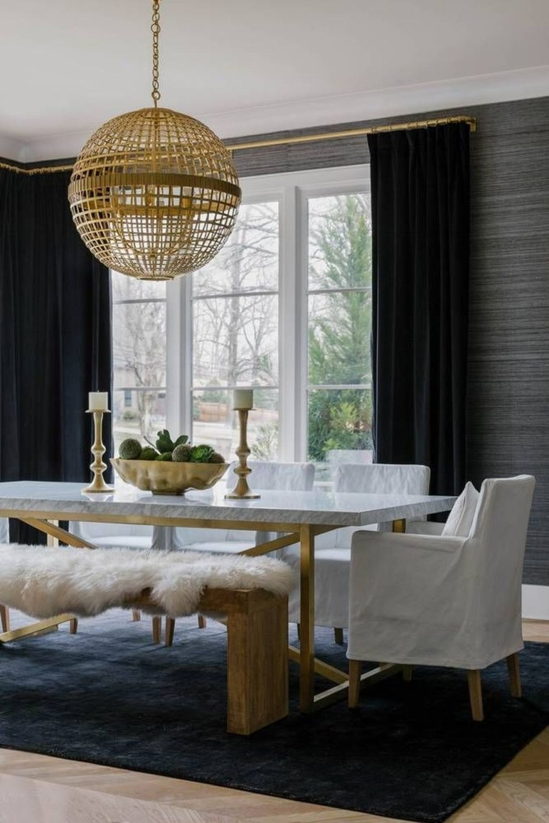 Winter Dining Room Decoration Ideas On Your Table 31