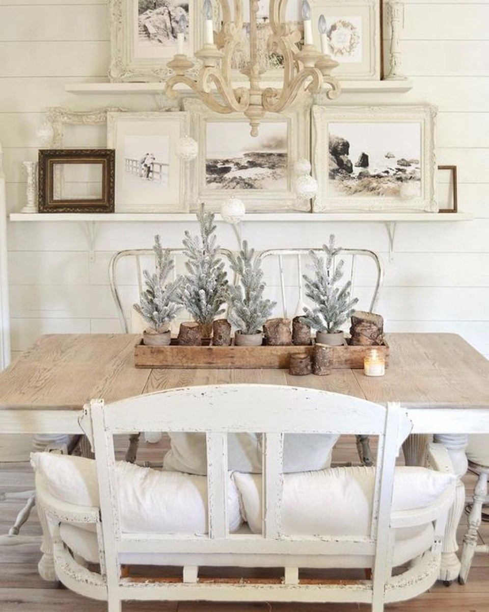 Winter Dining Room Decoration Ideas On Your Table 34