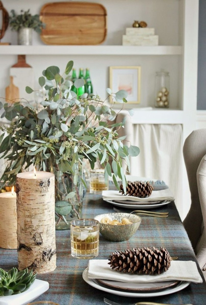 Winter Dining Room Decoration Ideas On Your Table 44