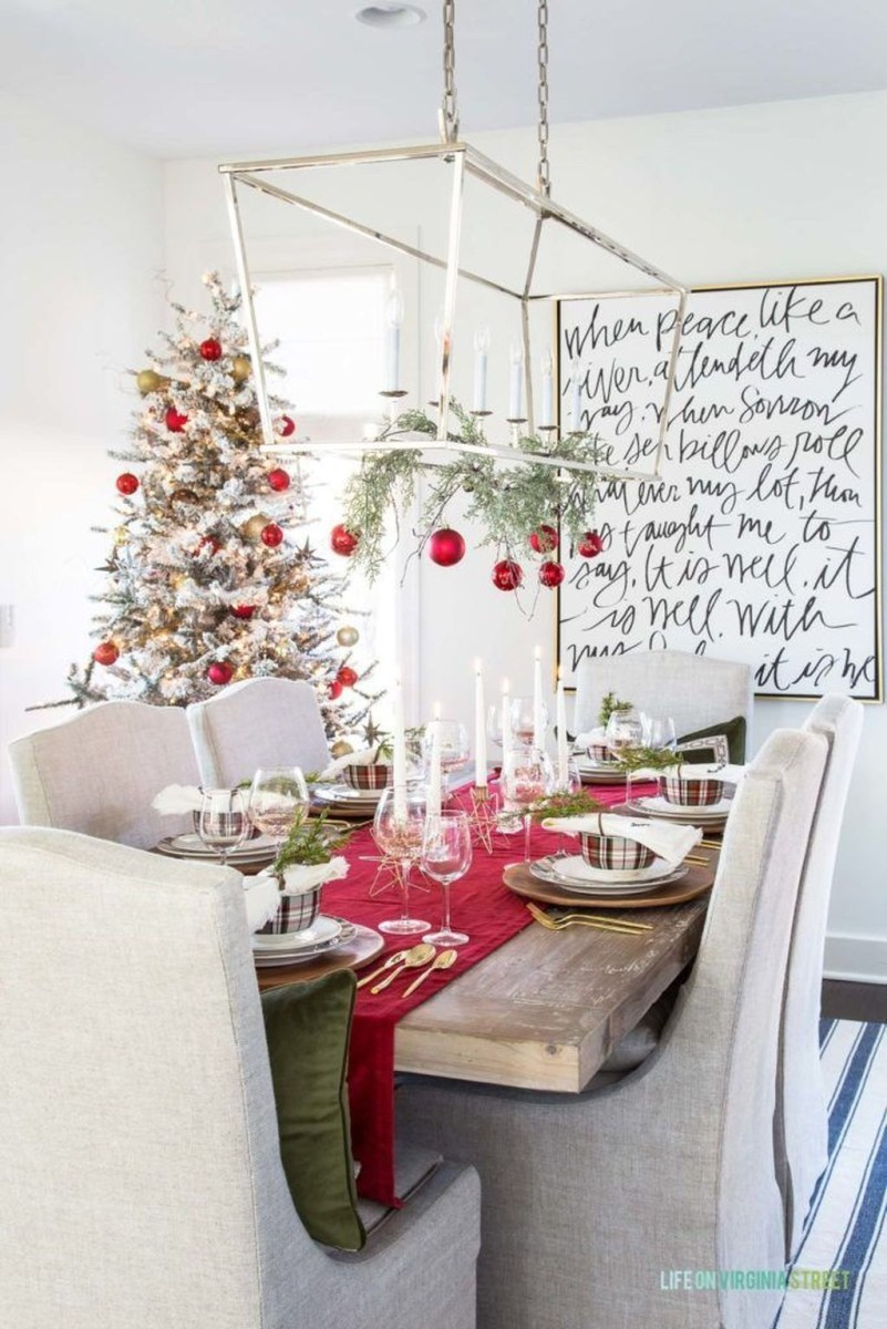 Winter Dining Room Decoration Ideas On Your Table 46