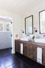 Affordable Farmhouse Bathroom Design Ideas 04