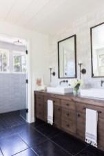 Affordable Farmhouse Bathroom Design Ideas 04