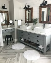 Affordable Farmhouse Bathroom Design Ideas 15