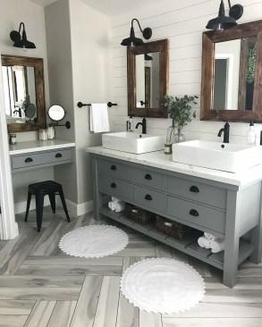 Affordable Farmhouse Bathroom Design Ideas 15