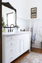 Affordable Farmhouse Bathroom Design Ideas 35