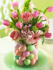 Amazing Bright And Colorful Easter Table Decoration Ideas 06