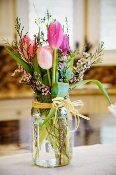 Amazing Bright And Colorful Easter Table Decoration Ideas 18