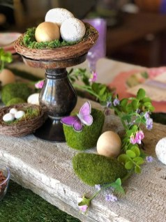 Amazing Bright And Colorful Easter Table Decoration Ideas 27