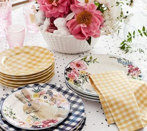 Amazing Bright And Colorful Easter Table Decoration Ideas 49