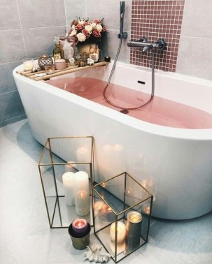 Cute Bathroom Decoration Ideas With Valentine Theme 32